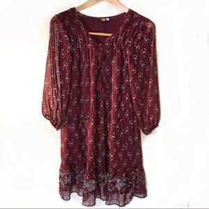 AUW Dresses - Flirty maroon floral dress with 3/4 sheer sleeves
